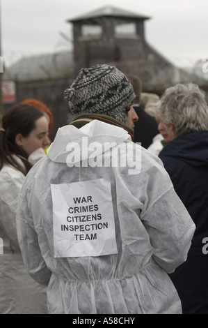 Demonstranten in Faslane Naval base - Stockfoto