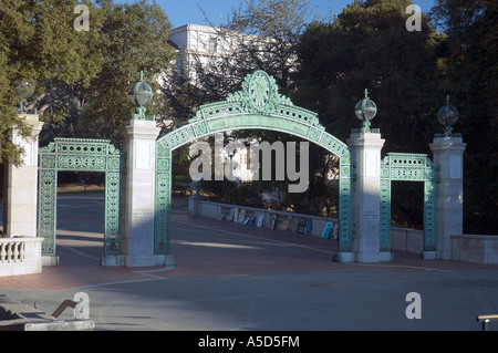 Sather Gate, Haupteingang zum Campus University of California, Berkeley - Stockfoto