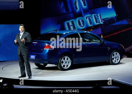 Mark Fields der Ford Motor Company bei der Enthüllung des 2008 Ford Focus auf der North American International Auto - Stockfoto