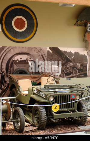 Ein Willys Jeep in die Pegasus Memorial Museum Ranville Batterie Normandie Frankreich - Stockfoto