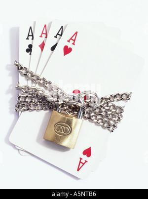 Vier Ass Spielkarten Complex in Ketten - Stockfoto