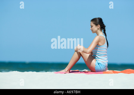 Frau Ausübung auf Strand - Stockfoto