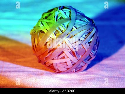 Bunte Foto Balls von elastischen Bändern als Konzept Art Bild z.B. banding zusammen Büro Beziehungen Vorstellungskraft - Stockfoto