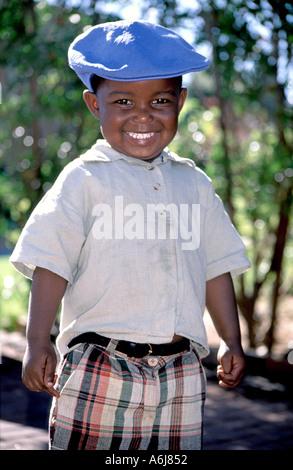Porträt eines lächelnden 3 - Jahre alten afrikanischen jungen in Südafrika. - Stockfoto