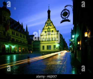 DE - Bayern: Das historische Rathaus in Rothenburg-Ob-der-Tauber - Stockfoto