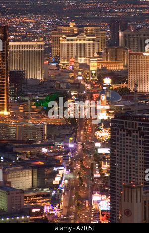 Blick auf den Las Vegas Strip und Casinos von Stratosphere Tower in Las Vegas, Nevada - Stockfoto