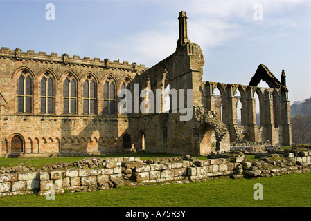 Ruine des Klosters Augustine, Bolton Abbey, North Yorkshire Dales. - Stockfoto