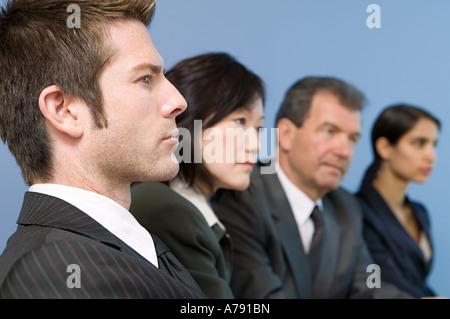 Geschäftsleute in Folge - Stockfoto