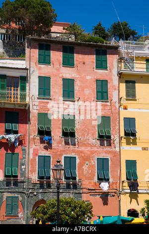Szene aus Vernazza einer der fünf Dörfer der Cinque Terre - Stockfoto
