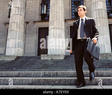 Geschäftsmann, steinerne Treppe hinunter - Stockfoto