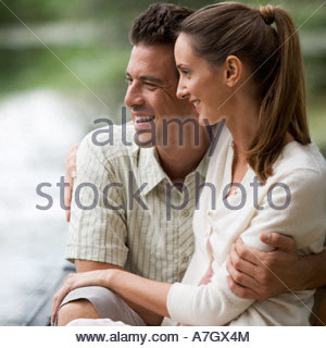 Junges Paar in einem Ruderboot - Stockfoto