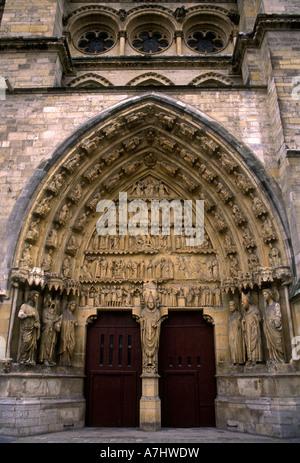 Tympanon, die Kathedrale von Reims, Kathedrale Notre-Dame de Reims, catedrale, Reims, Champagne-Ardenne, Frankreich, - Stockfoto