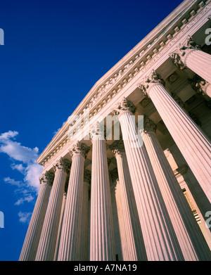 Nach oben auf das äußere des Supreme Court Gebäude in Washington D C - Stockfoto