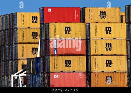 """Schifffahrt / See-Container gestapelt auf einem Schiffe Heck. Der """"Hafen von Melbourne"""" Melbourne Victoria Australia. - Stockfoto"""