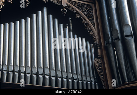 Nahaufnahme von Orgelpfeifen in der Southwark Cathedral in der Nähe von London Bridge London - Stockfoto