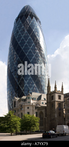 Swiss Re Gebäude bei 30 St Mary Axe City of London-UK - Stockfoto