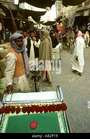 Pakistan südlichen Punjab Bahawalpur Fahrradrikscha in Shahi Basar - Stockfoto