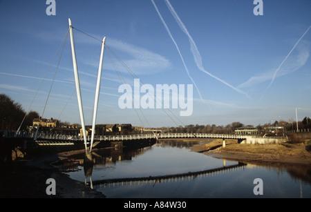 Millennium Bridge bei St. Georges Quay Lancaster in Lancashire - Stockfoto