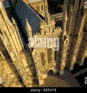 Westwand des Wells Cathedral Somerset Luftbild - Stockfoto