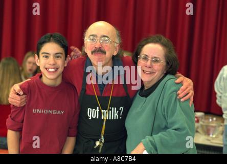 Lehrer und Schüler grausamer Entscheidungsträger Alter 55 und 14. Golden Valley, Minnesota USA - Stockfoto