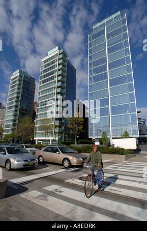 Richard Meier-Gebäude an der Weststraße und Perry Street im Stadtteil NYC West Greenwich Village - Stockfoto