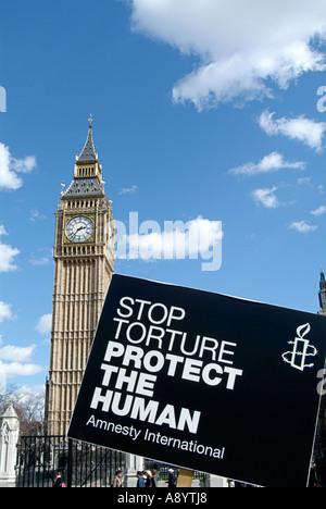 Demonstrant, Protest, außerhalb der Häuser des Parlaments, London, Demokratie, demokratisch, anti, Krieg, Anti-Kriegs, - Stockfoto