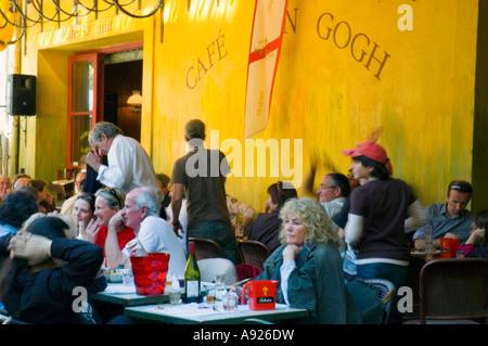 Cafe La Nuit In Arles Frankreich Stockfoto Bild 73307921 Alamy
