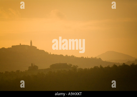Monticello, Kreta, Toskana, Valle de Orcia, Europa, Italien - Stockfoto