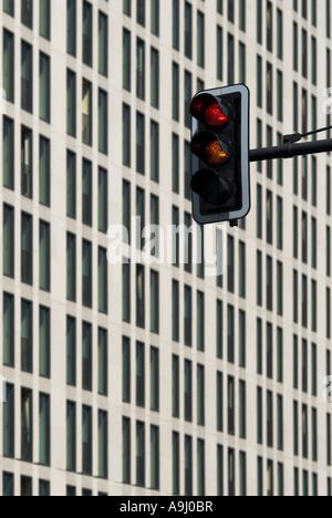 Ampel rot-gelb, Potsdamer Platz, Berlin, Deutschland - Stockfoto