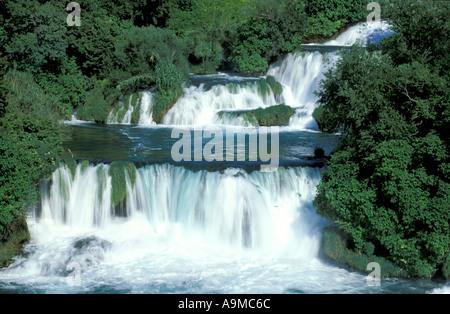 Wasserfall im Krka-Nationalpark in der Nähe von Sibenik - Stockfoto