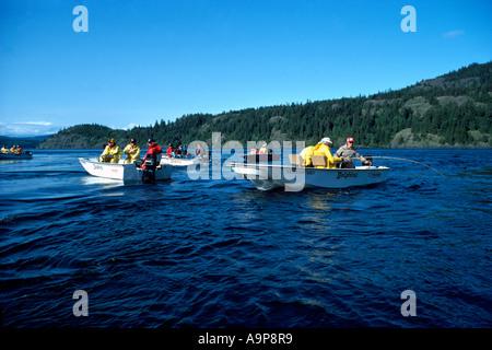 in der Nähe von Campbell River, BC, Vancouver Island, British Columbia, Kanada - Angeln auf Lachs in Seymour Narrows - Stockfoto