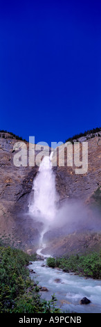 Gespeisten Wasserfälle im Yoho-Nationalpark, Kanadische Rockies, BC, British Columbia, Kanada - Wasserfall am Kicking - Stockfoto