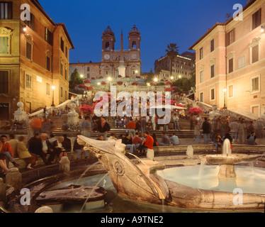 Rom Piazza de Spagna bei Nacht Leute - Stockfoto