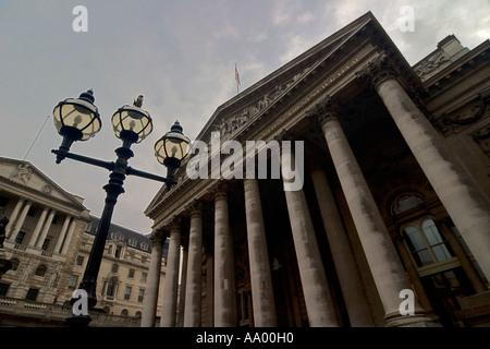 Die Royal Exchange auf Threadneedle Street im Herzen des Londoner Bankenviertel - Stockfoto