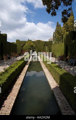 Der Wassergarten in den Generalife Palast, Alhambra, Granada, Spanien - Stockfoto