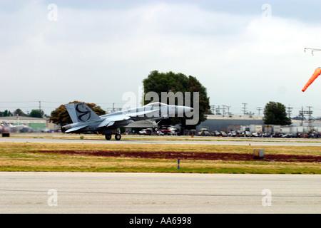 United States Navy F/A-18E Super Hornet auf Start roll - Stockfoto