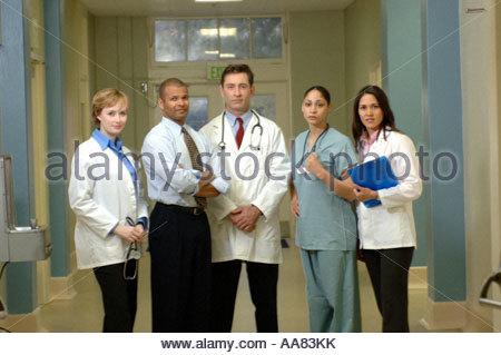 Gruppe von Ärzten im Krankenhaus - Stockfoto