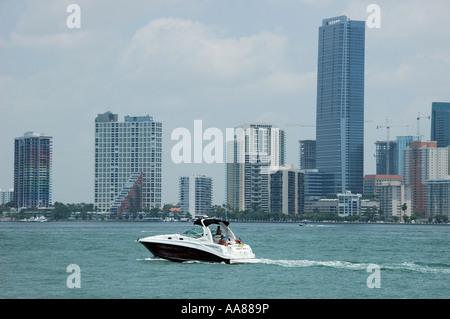 Bootfahren in Miami - Stockfoto
