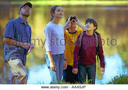 Studenten, die hohe Pflanzen See Prüfung - Stockfoto