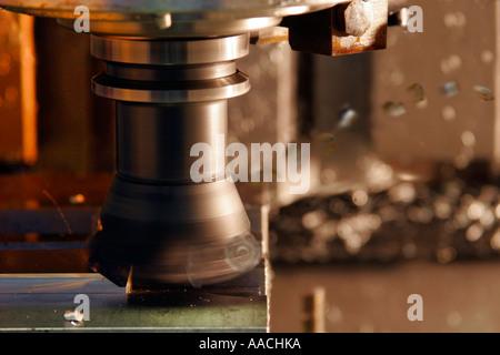 CNC-Fräsen von aluminium - Stockfoto