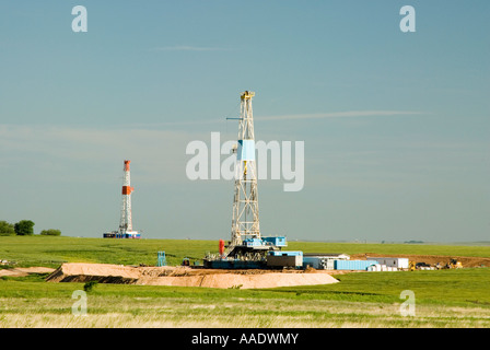 Ölbohrplattformen auf Bohren Pads im Texas Panhandle Frühjahr 2007 - Stockfoto