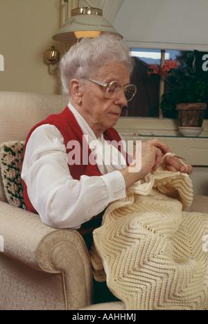 Alter Mensch, stricken - Stockfoto
