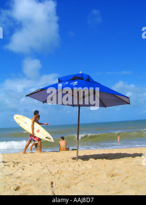 Strandleben am Praia Strand von Ponta Negra in Natal, Brasilien - Stockfoto
