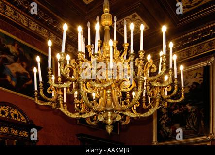 Kronleuchter Palazzo ~ Eine antike kronleuchter in palazzo parisio manchmal bekannt als