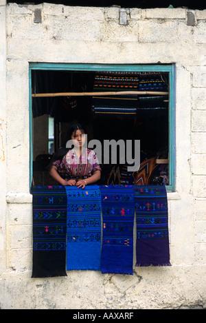 Kleinen Laden in einem Dorf am Ufer des Lake Atitlan, Guatemala - Stockfoto