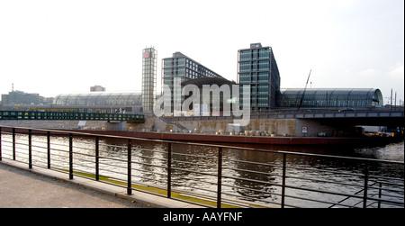 Berlin Hauptbahnhof - Lehrter Bahnhof - Stockfoto