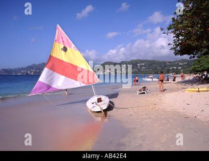 Grand Anse Bay in der Nähe von St Georges Grenada Touristen übergesetzt von Hafen zu diesem Strand - Stockfoto