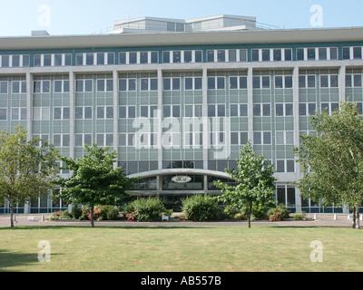 Bürogebäude und Eingang des Ford von Großbritannien an Warley Brentwood Essex England Großbritannien eine Tochtergesellschaft - Stockfoto