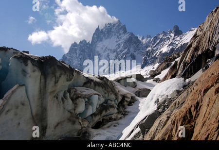 In den Alpen Savoie Aiguille De La République 2822 m Aiguille des Grand Charmoz 3444 m Haute-Savoie-Frankreich - Stockfoto