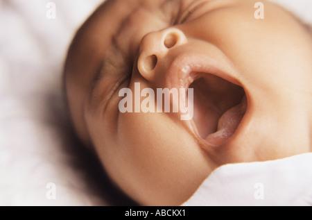 Baby, Gähnen - Stockfoto